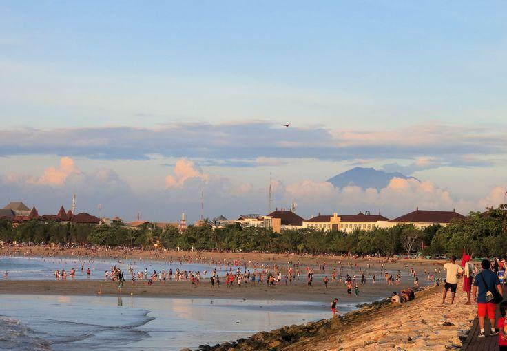 gunung agung - view from kuta beach