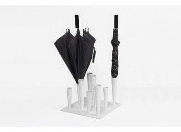 Porte parapluies Flut signé Progetti chez www.ksl-living.fr