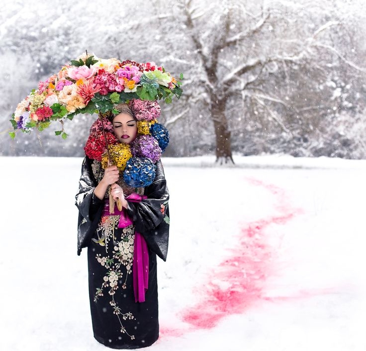 Spring comes! Kirsty Mitchell - Wonderland collection - http://www.kirstymitchellphotography.com/collection.php?album=5 ... and there's an amazing story of love, loss, and inspiration!