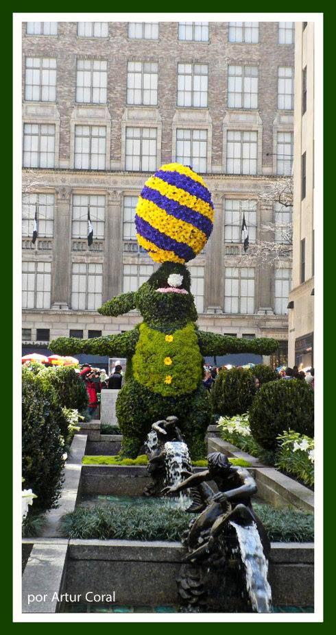 DOMINGO DE PASCUA 2014, EN EL CENTRO ROCKEFELLER DE MANHATTAN, NEW YORK. FOTO POR ARTUR CORAL. D., 20 ABR 2014. (490×927)
