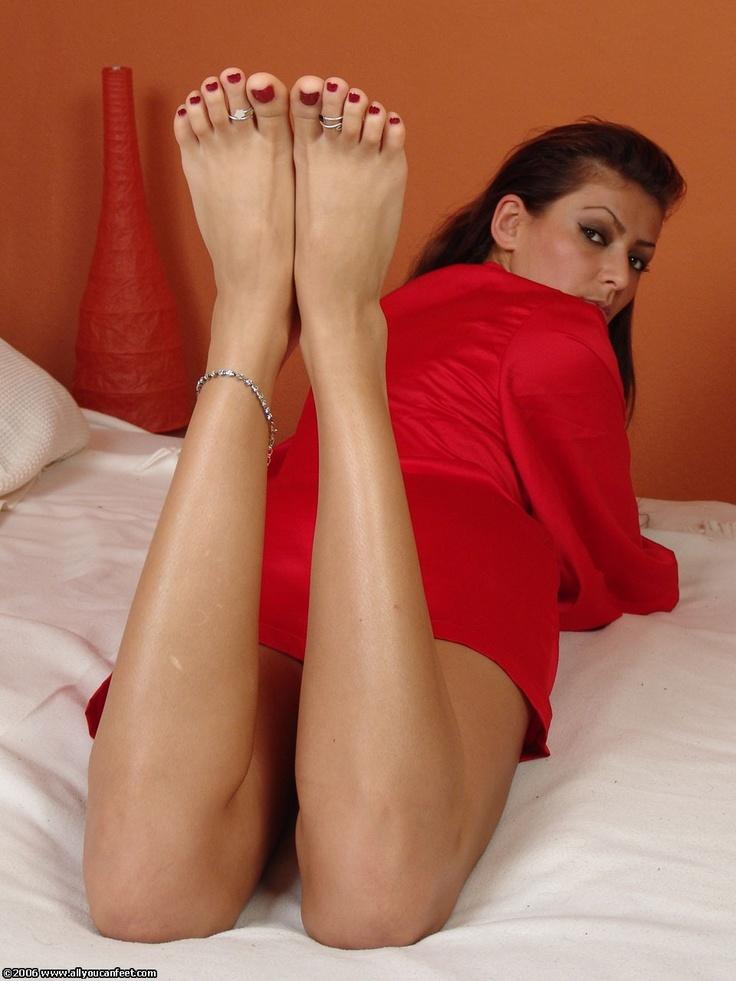 Sexy Women's Feet Pics And Pics