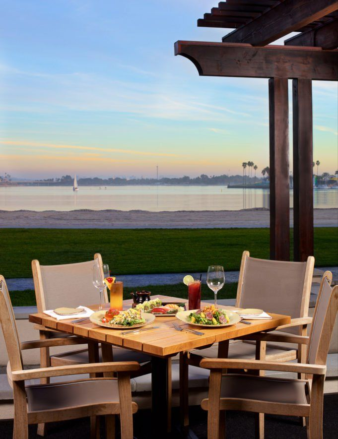 Catamaran San Diego Resort and Spa is one of the best beach hotels in San Diego.