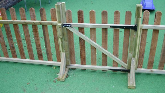 Movable Fencing- Looks easy enough to diy.