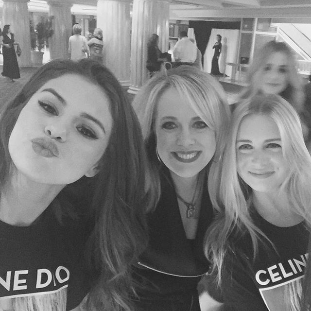 Pin for Later: Selena Gomez Is the Ultimate Celine Dion Fan at Her Concert in Las Vegas