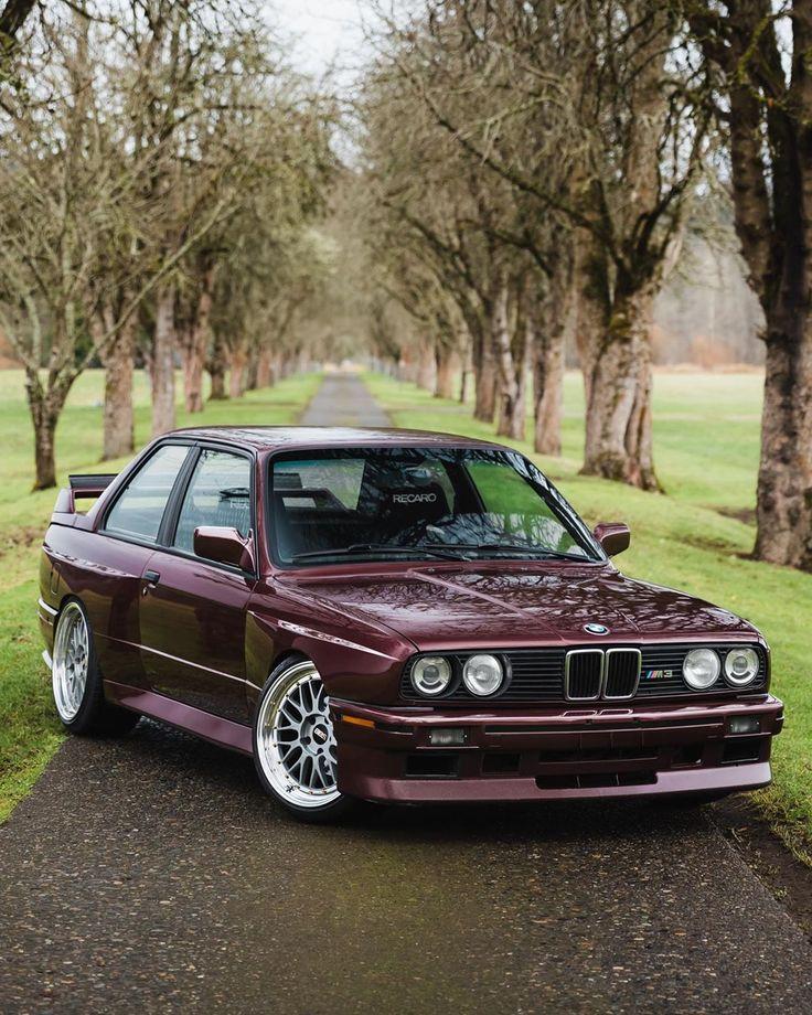 Egal zu welcher Jahreszeit, der #BMW # M3 (# E30) bleibt immer in Mode. #BMWClassic (…   – BMW