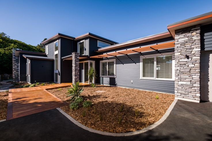 David Reid Homes 2015 Executive Home | Exterior Linea Weatherboard + Stone