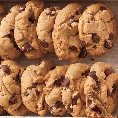Biscotti con gocce di cioccolato (morbidissimi)