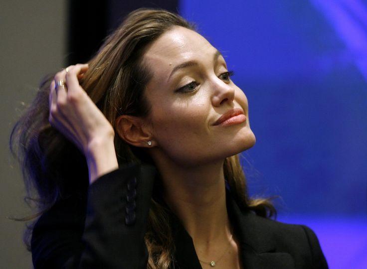 Angelina Jolie - Clinton Global Initiative Event - Photo 15