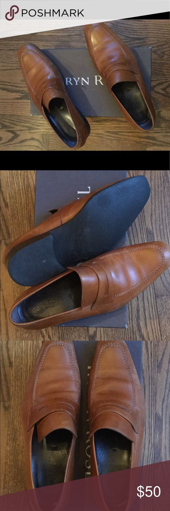 Taryn Rose men's dress shoe Made in Italy - lightly worn - good condition Taryn Rose Shoes Loafers & Slip-Ons