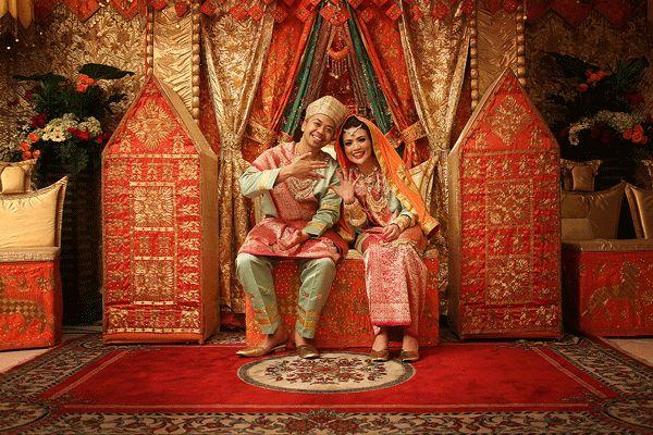 Pernikahan dengan adat Koto Gadang - www.thebridedept.com