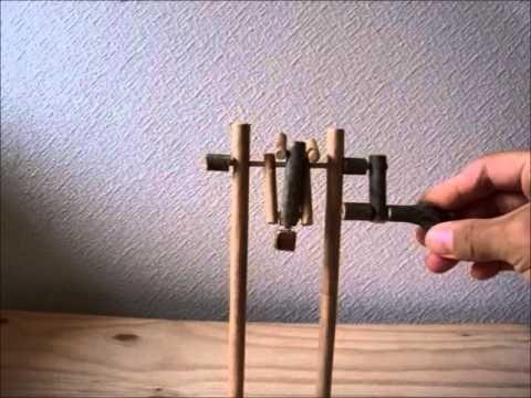 【しゅう太郎の手作りおもちゃ工房】体操!鉄棒人形 - YouTube