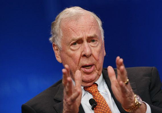 Prominent #oil #investor and sometime renewable-energy booster T. Boone Pickens predicts that the plunging Nymex oil price will rebound to $100 a barrel in the next 12 to 18 months.