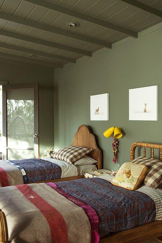 ATELIER RUE VERTE le blog: Une chambre d'enfant en vert kaki