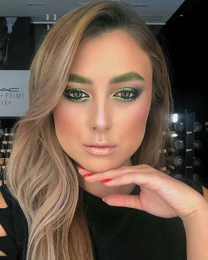Ms Green Makeup Art #maccosmetics #macartist https://www.instagram.com/p/Be8Yrb1n5y0/