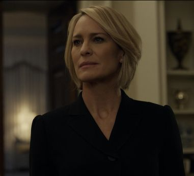 Robin Wright / Claire Underwood Haircut 2017 House of Cards Season 5