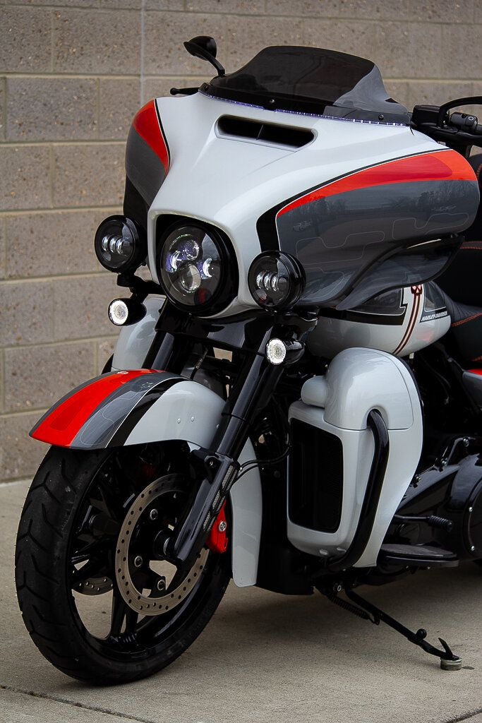 Custom Ultra Limited : custom, ultra, limited, Bikes