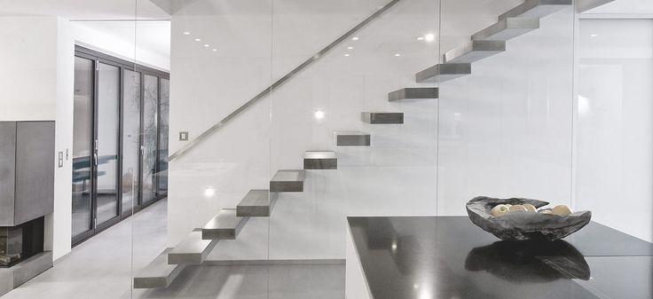 RoomStone® - Exklusives aus Sichtbeton, Freitragende Kragstufentreppe, Kragarmstufen, Faltwerkstreppe, Faltwerktreppe