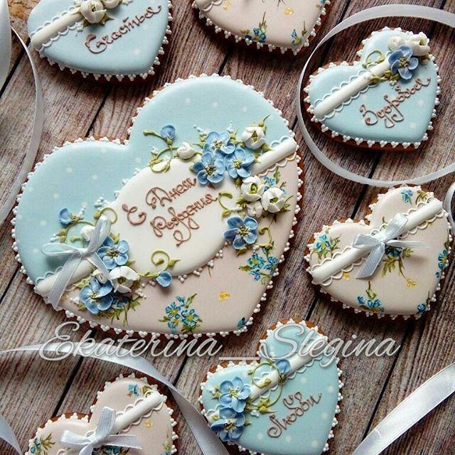 I really love the hearts cookies idea