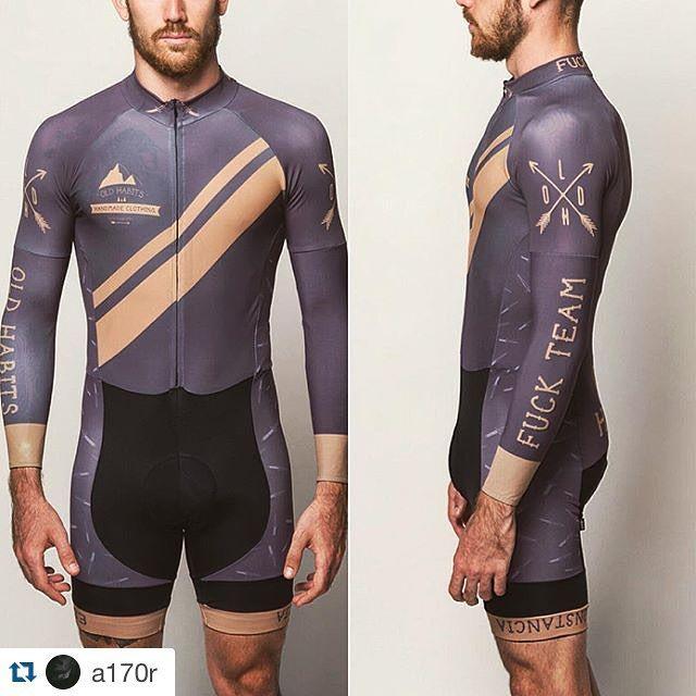 Trabajo realizado para @oldhabitsstore Diseñado • Estampado • Cosido • en Madrid #repost @a170r ・・・ #fixed #fixie #mono #cycling #oldschooltattoo #tattoo #fuck #fuckteam #oldhabits #wearejamm #cool @wtfkits #wtfkits #gopro3 #gopro #cinelli #zipp #specialized #pinarello #piñonfijo #fix #beard #boy