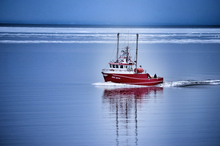 Bateau crabier, Caraquet, Gloucester County, New Brunswick, Canada | by Gary Kenny, via 500px