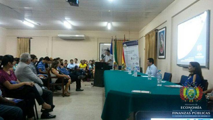 El Ministro de Economía y Finanzas Públicas, Luis Arce Catacora, expuso los Avances del Modelo Económico Social Comunitario Productivo ante un auditorio de 250 estudiantes de la carrera de Economía de la Universidad Autónoma Gabriel René Moreno de Santa Cruz