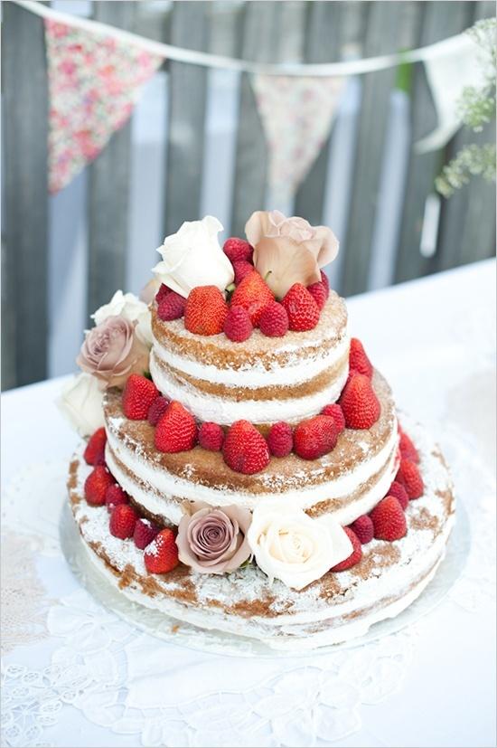 Strawberry wedding cake - http://www.pinfoody.com/strawberry-wedding-cake/