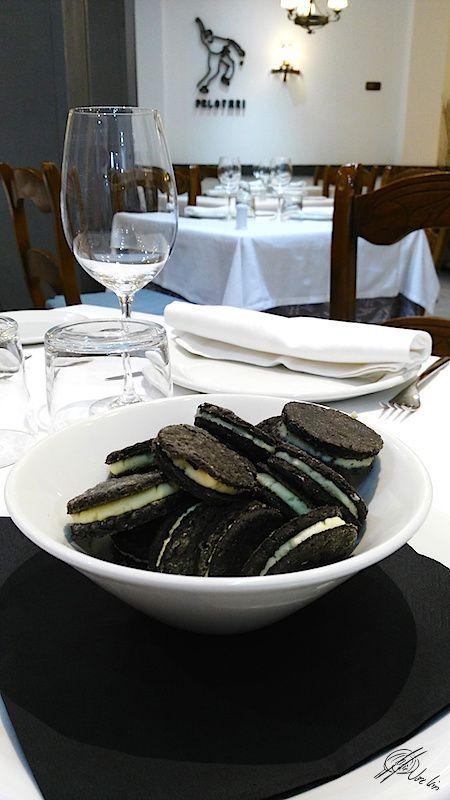 Oreo-de aceitunas negras rellenas de queso_lacocinadejoseluis