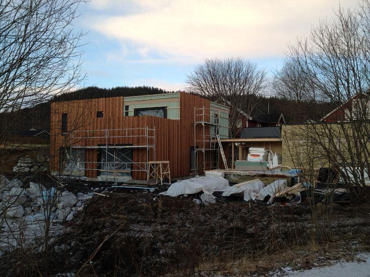 AmberHouse är en komplett husleverantör: hustillverkare och husbyggare