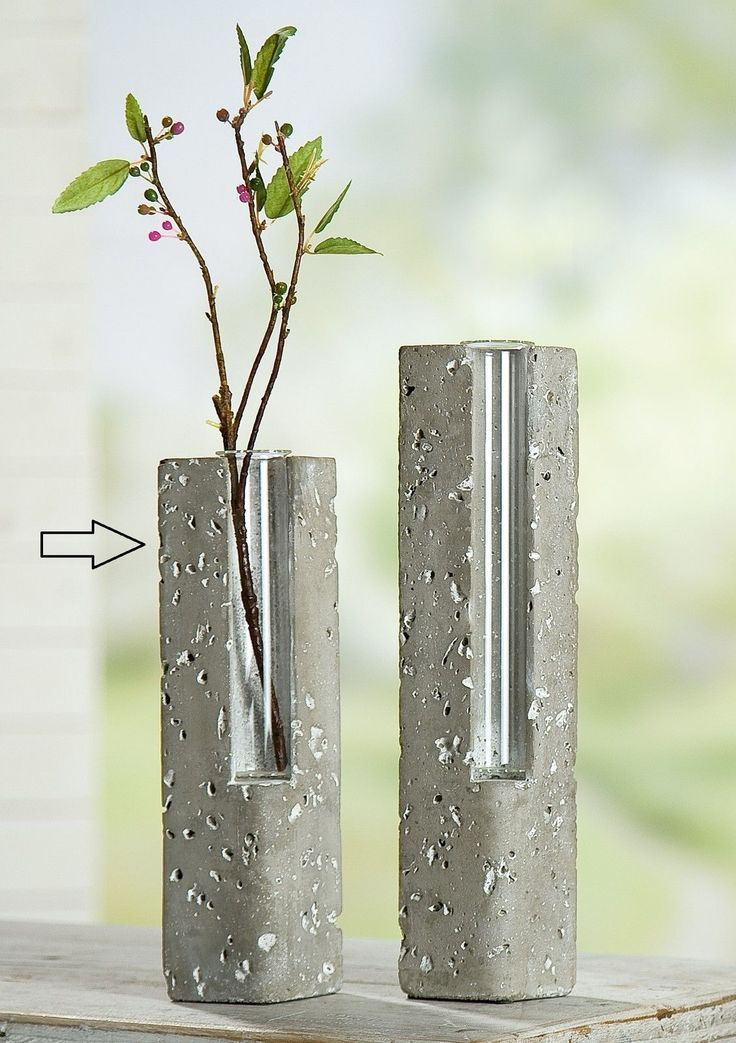 ,concrete vases (link: https://www.madesh.de/handverlesene-lieblingsstuecke/beton/gilde-handwerk-zement-vase-mit-glas-klein-schmal/7785-0-0-7785-0.htm?cat=32&subcat=100&subsubcat=&produkt=319 ) diy project, cool diy, minimal diy, coloblock diy, diy projects