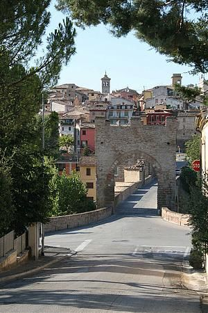 Tolentino, Italy - wsponton.com