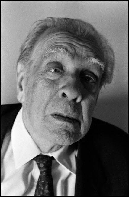 Borges todo el año: Jorge Luis Borges: París, 1856 - Foto: Borges New York 1985 © Ferdinando Scianna-Magnum Photos