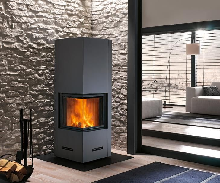 DOVER SURROUND: Great care over detail and technological research have gone into the making of Dover. Its square shape makes it ideal for corner installations, while the glass has been specially shaped so that the fire can be seen from two sides. Cladding Enamelled steel
