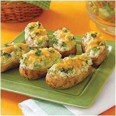 Recept na zemiaky so syrovou náplňou. Výborné zemiačiky s vaším obľúbeným syrom a bylinkami chutia výborne.