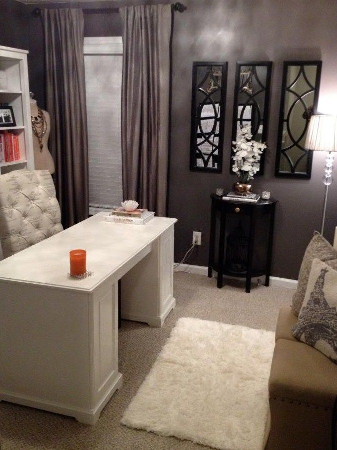 Love How It Doesn T Look So Officy Lol Wonder If I Could Get My Cubicle To Look Like This C Home Office Decor Home Office Design Home Decor