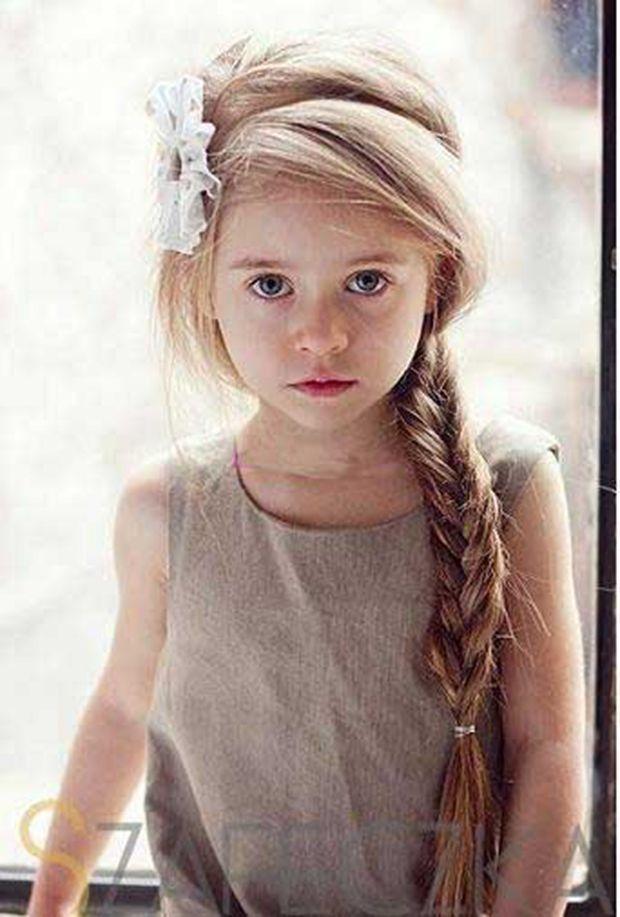 Idée coiffure pour enfant d'honneur