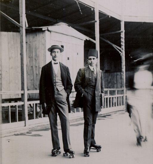 Beyoğlu'nda paten kayma fikri 1908'de vardı #istanbul #istanlook #beyoğlu