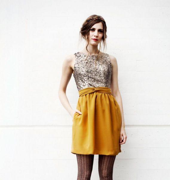 Vestido de fiesta online con lentejuelas  #invitadasboda #vestidoscortos #vestidosfiesta #nochevieja http://www.apparentia.com/mujer/vestidos/cortos/ficha/1604/vestido-gasa-amaya/