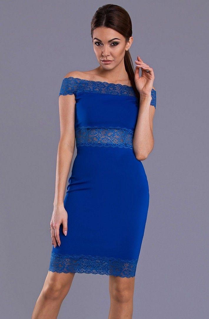 EMAMODA SUKIENKA - KOBALTOWY 8808-1 Sukienka z odkrytymi ramionami i elementami koronki.  #modadamska  #sukienka #suknia #sukienkiwieczorowe  #allettante