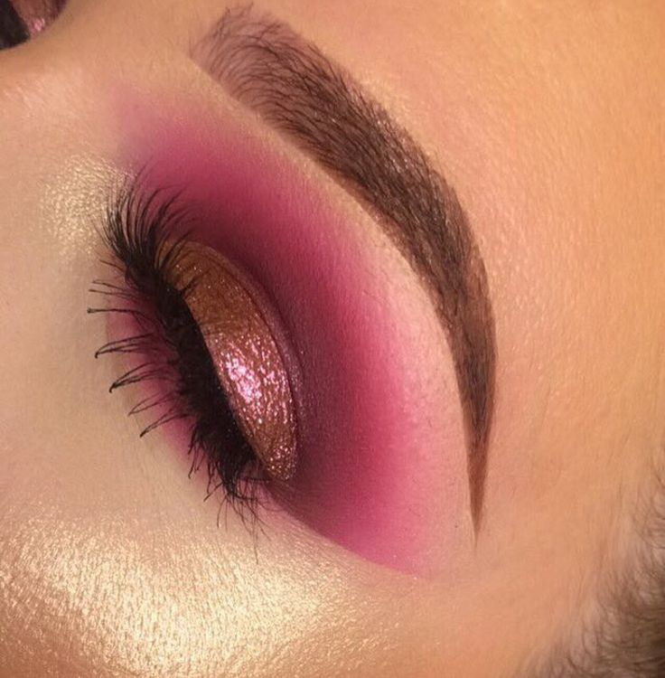 Pinterest @STYLEXPERT Follow me.I always follow back ❣ Beautiful pink eye makeup for