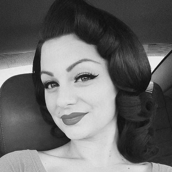 9 best 1940s hairstyles images on Pinterest   1940s hair, 1940s ...