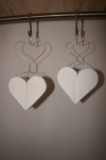 Hanging Hearts - Wooden hearts - Wire Hearts - Rustic White - Wedding decoration - home decor by WoodAlwaysWorks on Etsy