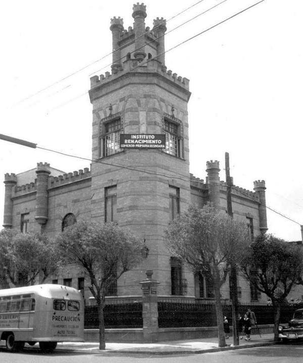 Col. Roma, esq. de Orizaba y Chihuahua, ca. 1950.