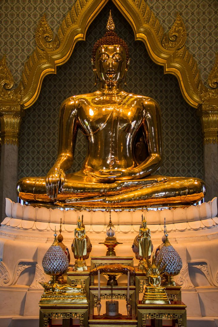 World's largest gold statue - Golden Buddha of Wat Traimit - Bangkok https://what-should-i.com