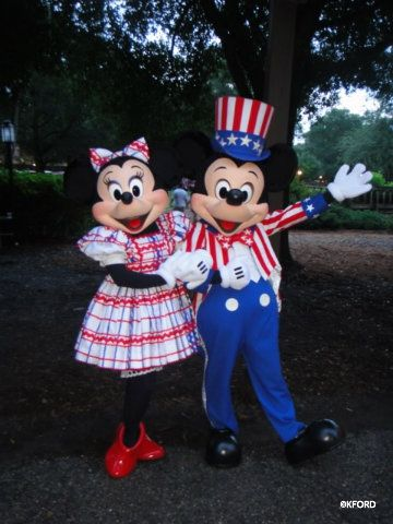 patriotic-mickey-minnie