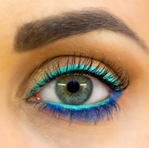 Bold Eyeliner: Choose colors in the same family if you're ready to get adventurous and turn a few heads this weekend.  #makeup #beauty #eyeliner #spring