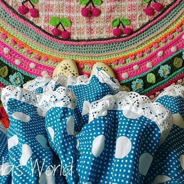 Even alvast mijn Spaanse jurk en klompjes passen, nog één weekje en dan......#123ole #spanje #ilovespain #spagna #happycolors #havealovelyday #crochetdesign #adindasworld #lovecolor