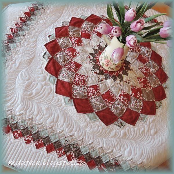 Winter's Lane Dahlia. Takto vyzerá patchworkové nebo. Nádherná práca! Autorka: mdupka/Artmama.sk