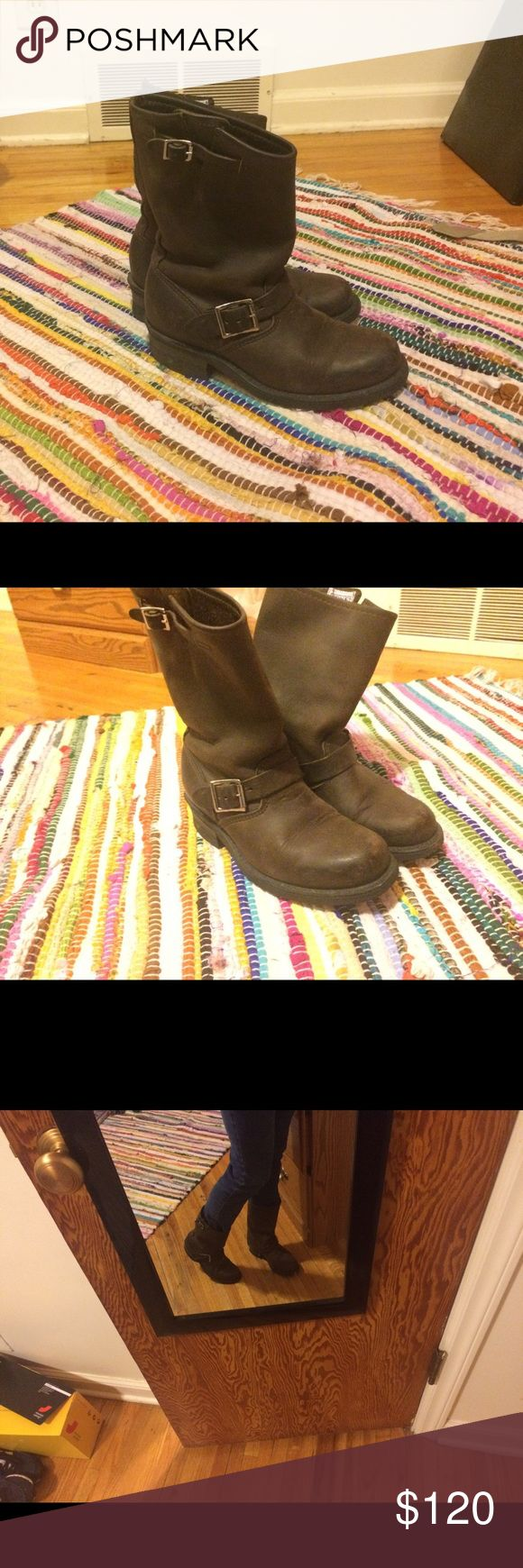 Frye Veronica Short Boot Dark Brown Excellent condition. Italian Leather, dark brown boots. Size 6. Frye Shoes Combat & Moto Boots