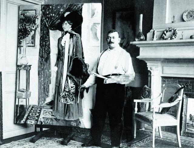 """O Kωνσταντίνος Παρθένης ποζάρει μπροστά στο πορτρέτο της Iουλίας Παρθένη, το γένος Βαλσαμάκη, στην Kέρκυρα το 1912.""   Η φωτογραφία από το αρχείο των εκδόσεων «Μέλισσα». Η παραπάνω λεζάντα από το αφιέρωμα της Καθημερινής στον μεγάλο ζωγράφο. «Επτά ημέρες» εκδ. 27ης Ιουλίου 1997. http://wwk.kathimerini.gr/kath/7days/1997/07/27071997.pdf Ο πίνακας με την Ιουλία Παρθένη εδώ: https://www.facebook.com/photo.php?fbid=526909740654725set=a.516695481676151.120004.149801415032228type=3theater Πηγή…"