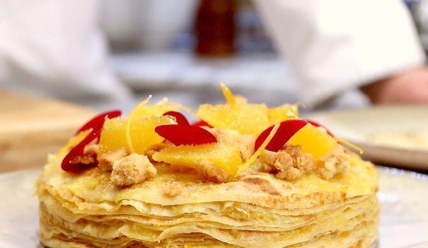 Pour la Chandeleur ou Mardi-Gras, Jean-François Piège nous livre sa recette de pâte à crêpes. Le chef étoilé la prépare avec des zestes d'agrumes, pour donner une touche de peps!